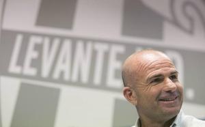 Paco López se lleva a todos los disponibles al Bernabéu