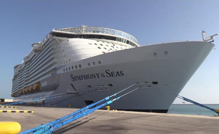 El Symphony of the Seas, el mayor crucero del mundo, en Valencia