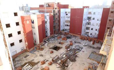 «Los edificios están abandonados, se han convertido en el vertedero del barrio»