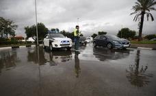 Alumnos de cinco institutos de Valencia siguen sin clase tras las lluvias