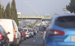 Fallece un motorista en un choque múltiple a la entrada de Valencia