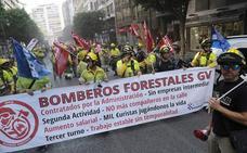 La Generalitat creará una nueva empresa pública para contratar a los bomberos forestales