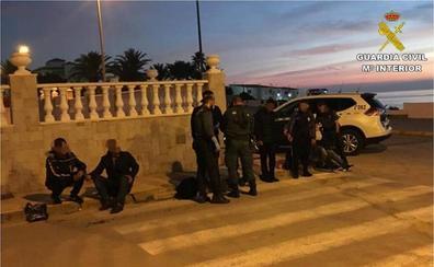 La Guardia Civil intercepta cinco pateras en la provincia de Alicante