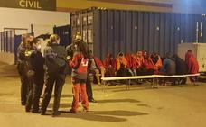 Una nueva oleada de pateras eleva a a 300 los inmigrantes que han llegado ilegalmente a la Comunitat