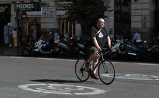 El seguro para bicicletas y patinetes divide de nuevo a ciclistas y vecinos