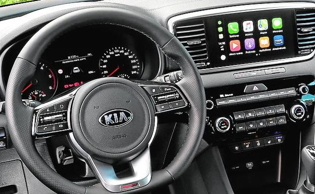 Pantalla compatible con Android Auto y Apple CarPlay.