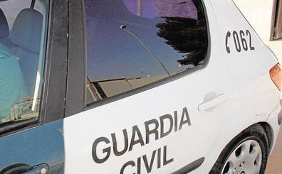 Un chico de 16 años fallece al dispararse el arma de uno de sus padres, ambos guardias civiles