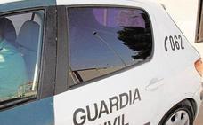 Un guardia civil evita la muerte de una mujer en la Pobla de Vallbona