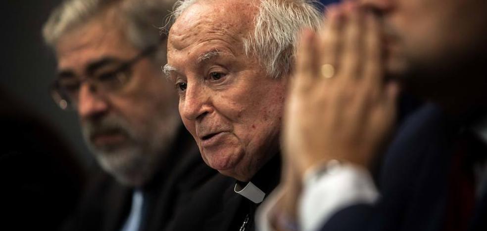 El cardenal pide a la Generalitat diálogo para evitar el bochorno de ser desautorizada en los tribunales