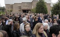 Cientos de personas abarrotan la despedida de María José Grimaldo