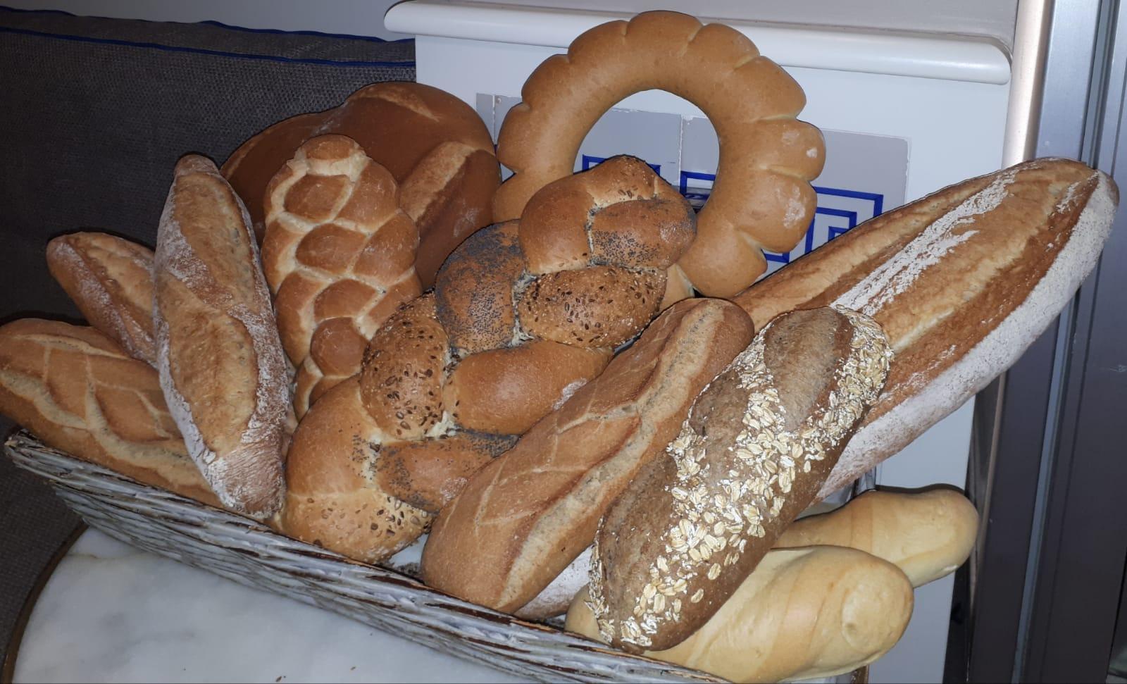 Cuatro hornos de Valencia entran en la «guía Michelín» de las panaderías