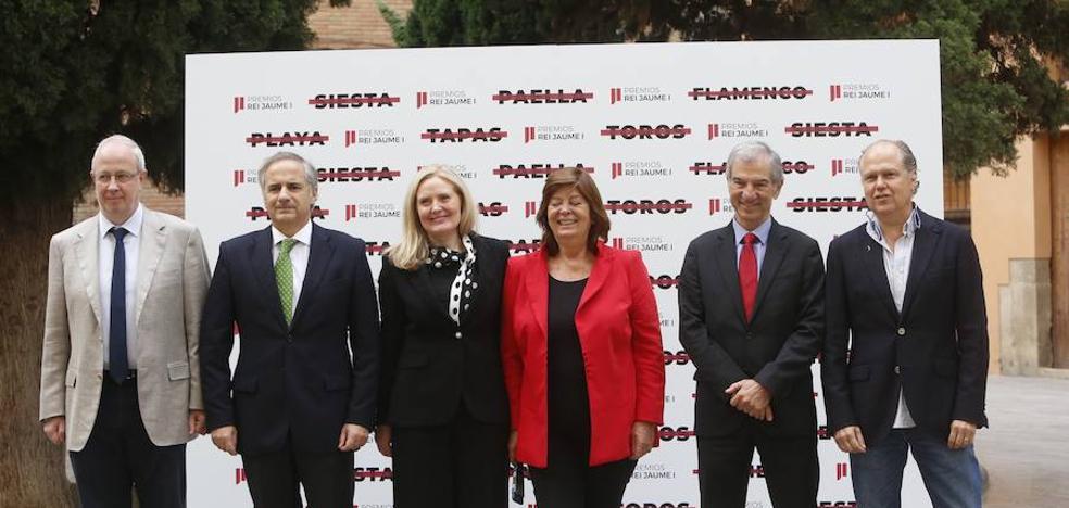 El Premio Jaime I de Economía advierte de que los bancos repercutirán el coste si tienen que pagar el impuesto de hipotecas