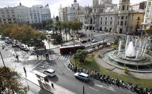 La plaza del Ayuntamiento de Valencia, a debate