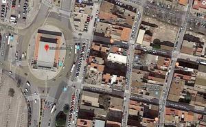 Herido un motorista de 24 años al chocar contra un coche en El Cabanyal