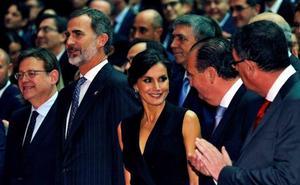 Noche de la Economía Valenciana: Morata defiende ante los Reyes «la lealtad institucional» de las empresas valencianas