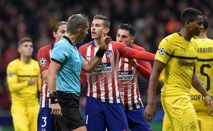 El Atlético, bajo en defensas