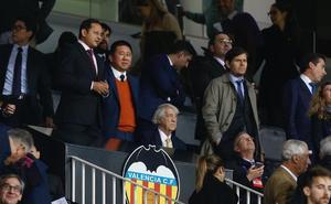 El Valencia duplica en un año su deuda por fichajes de jugadores
