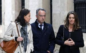 El hijo del expresidente de la CAM renuncia a la indemnización por el crimen de su madre