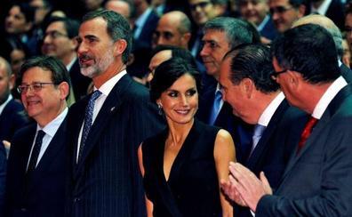 Los Reyes presiden la Noche de la Economía Valenciana