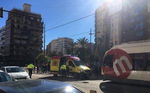 Un tranvía atropella mortalmente a un anciano en Primado Reig