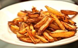 Sanidad recomienda cocinar a baja temperatura para evitar la acrilamida