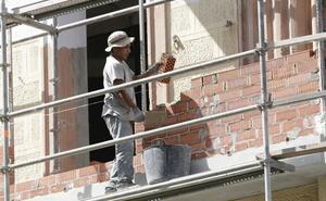 Arquitectos y promotores critican la burocracia para aprobar las obras
