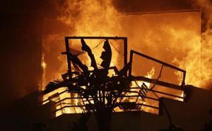 Lucha a brazo partido contra los incendios que han dejado al menos 25 muertos en California