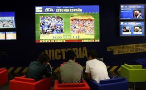 Alertan de que apostar en internet puede causar daños crónicos en jóvenes