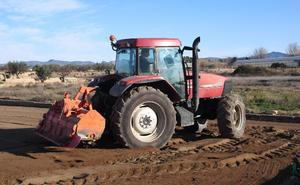 El Gobierno promete que no subirá el gasóleo agrícola