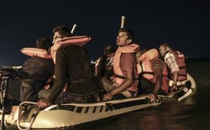 Dos muertos y una decena de desaparecidos al hundirse una embarcación con inmigrantes en Turquía