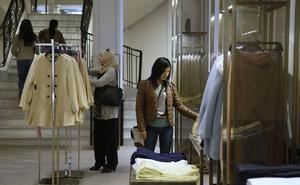 Cierra la empresa valenciana que hace los percheros de Zara
