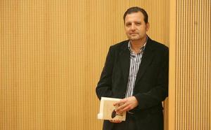 La poesía «serena y sutil» de Basilio Sánchez le otorga el Loewe