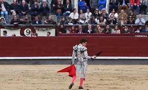 Un beso confirma la relación entre Victoria Federica y el torero Gonzalo Caballero