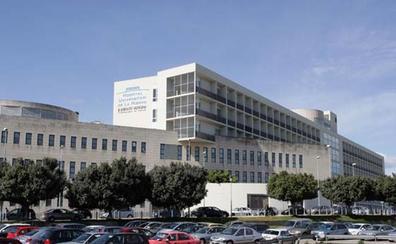 Personal sanitario se concentra contra la «desigualdad» en la reversión de los hospitales de gestión privada