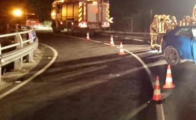 Un conductor resulta herido de madrugada al salirse de la CV-723 en el puente del Alberca