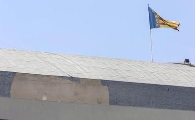 El Palau de la Música suma más de seis meses con desperfectos en el trencadís