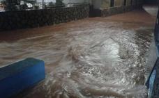 El temporal se ensaña con la Safor y obliga a cerrar colegios y carreteras