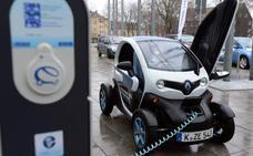 Los coches eléctricos y los de gas son los más económicos, según la OCU