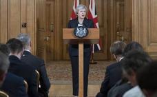 Theresa May persiste con firmeza ante el motín 'brexiter'