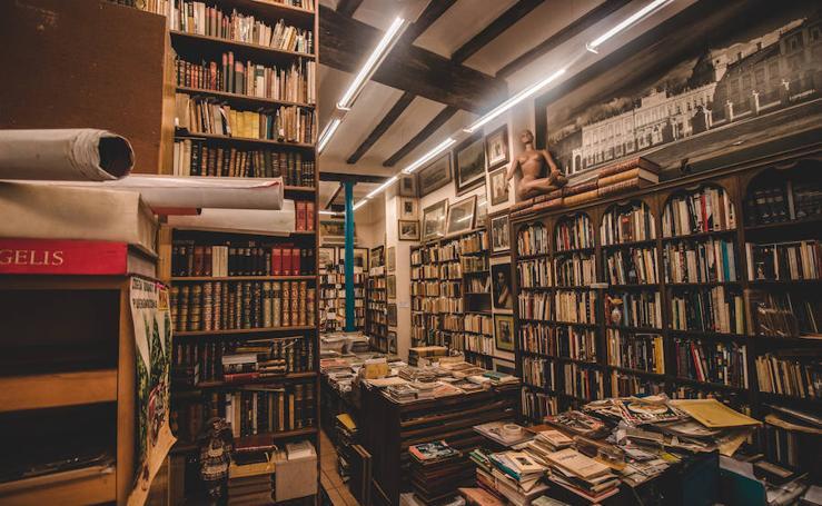 El Día de las librerías en Valencia entre libros de viejo
