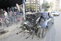 Brutal accidente en la avenida Tirso de Molina de Valencia