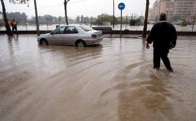 Aemet activa la alerta roja en Valencia y el norte de Alicante por lluvias de 180 l/m2 desde esta noche