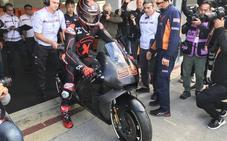 Lorenzo ya rueda con la Repsol Honda en Cheste