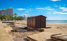 El temporal de lluvias se 'traga' varios metros de la playa del Brosquil de Cullera