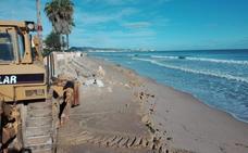 El mar engulle otra vez la arena traída desde Xeraco para regenerar la playa de la Goleta