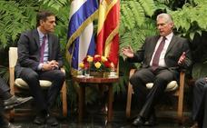 Sánchez acuerda mantener un diálogo anual con Cuba también sobre derechos humanos