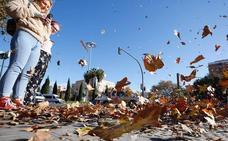 Valencia cierra los parques y las torres de Quart y Serranos por el fuerte viento