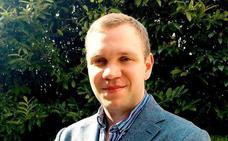 Regresa a Londres el británico condenado a cadena perpetua por espionaje en los Emiratos Árabes