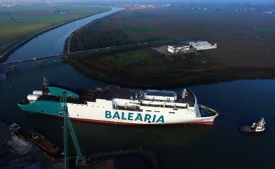 Baleària pone a flote el 'Marie Curie', el segundo de sus ferries a gas natural licuado en construcción
