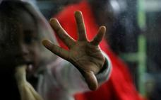 El Gobierno se resiste a acoger a doce migrantes rescatados por un pesquero alicantino